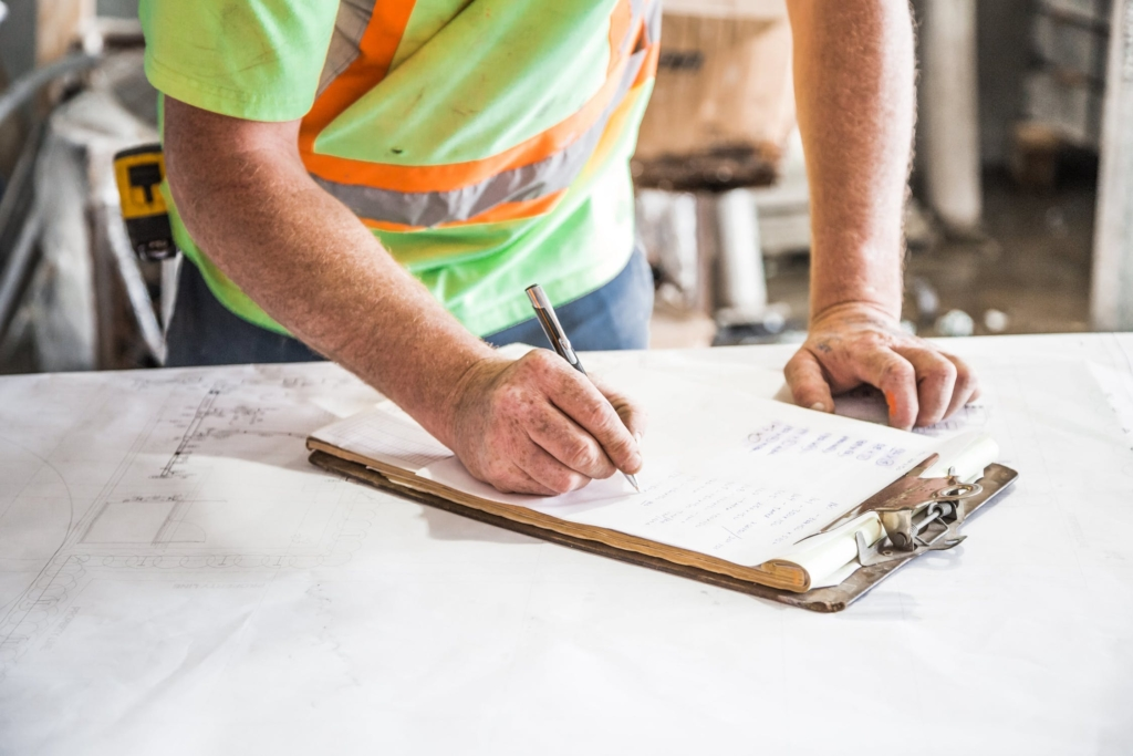 5 reasons why you need mobile apps on your construction sites